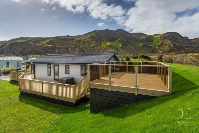 2 Bedroom Mobile Home For Sale In Conwy Morfa Conwy LL32