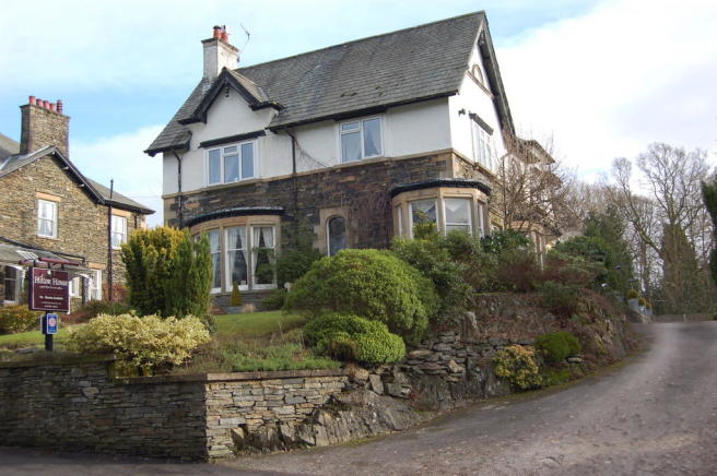12 bedroom guest house for sale in hilton house new road for Houses for sale with guest house on property