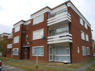 Flat to rent in Crook Log, Bexleyheath...