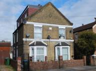 Flat to rent in Abbey Wood Road...