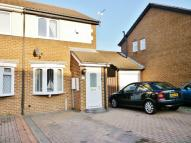 2 bed semi detached house in Linden Road...