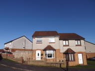 Semi-detached Villa to rent in Sikeside Place...