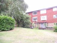 2 bedroom Ground Flat in Buckingham Avenue...