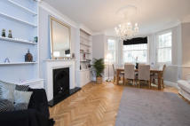 Flat for sale in Queen's Gate Place...