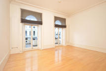 3 bedroom Flat in Queen's Gate Terrace...
