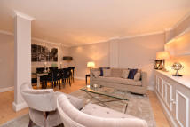 1 bedroom Flat in HYDE PARK GATE, London...
