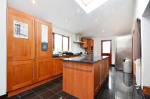 5 bed Link Detached House for sale in Hampton Road, London, E7