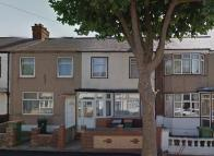 3 bedroom property in Gainsbrough Ave...