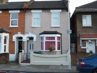 3 bed property in Ladysmith Road, London...