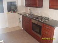 1 bed Ground Flat in Eastern Avenue, Ilford...