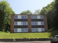 2 bedroom Flat to rent in Hillside Road, Whyteleafe