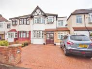 4 bed house in Grasmere Avenue...