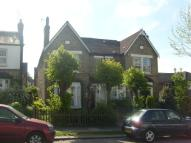 semi detached house to rent in Avenue Road, Southgate...