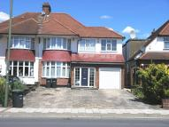 5 bedroom semi detached house in Cat Hill, Cockfosters...