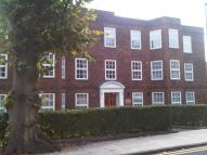 3 bed Flat in High Street, Southgate...