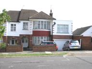 4 bedroom semi detached property to rent in Grosvenor Gardens...
