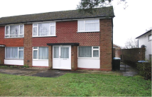 2 bed Maisonette in Bramley Close, Oakwood...