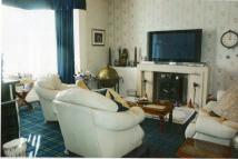2 bedroom Flat in Alpatrick Ground Flat...
