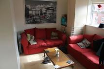 Flat to rent in Welton Road, Hyde Park...