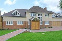 5 bed Detached house in Manor Close...