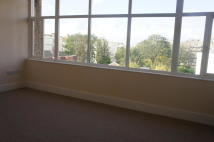 Studio flat in York Avenue, Hove, BN3
