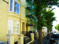 Flat to rent in York Road, Hove