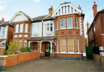 7 bedroom semi detached home in Oakley Avenue, Ealing