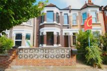 2 bed Terraced property in Drayton Avenue, Ealing