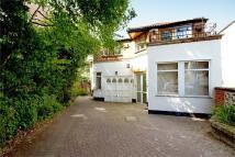 5 bed Detached property in Castlebar Road, Ealing