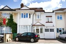 Apartment for sale in Southdown Avenue, Ealing