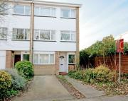 4 bed End of Terrace home in Limewood Close, Ealing