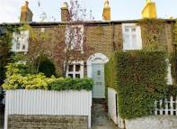 2 bed Terraced house in Warwick Road, Ealing