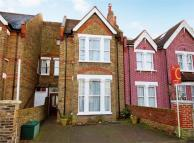 4 bedroom semi detached property to rent in Waldeck Road, Ealing