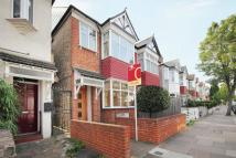 4 bed semi detached house in Sydney Road, Ealing