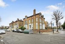 Flat in Mattock Lane, Ealing...
