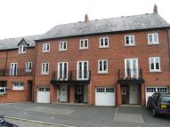 Mews to rent in York Street, Macclesfield