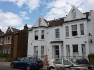 3 bedroom home in Alderbrook Road, SW12