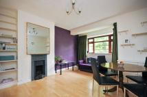 Flat to rent in Vaughan House, SW4