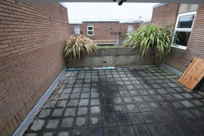 Patio roof Garden