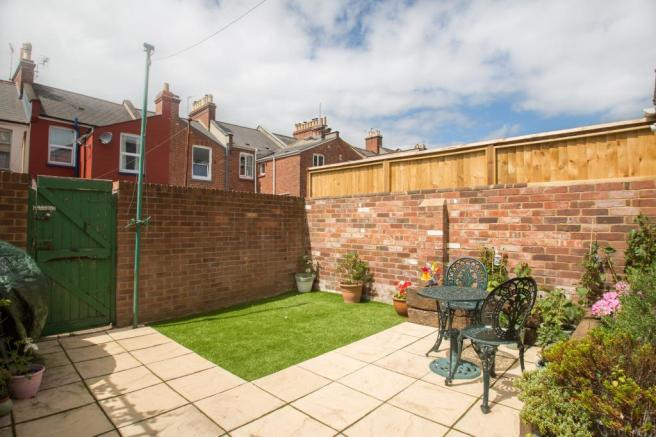 3 bedroom terraced house for sale in church terrace for Terrace exeter