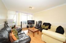 2 bed Flat in VAINE HOUSE...