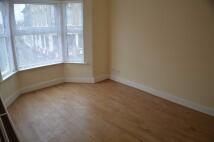 3 bedroom Duplex in Portway, Stratford...