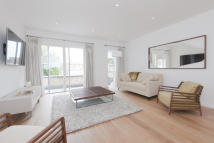 4 bed new house for sale in Charlbury Place...