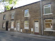 2 bed property to rent in Hollins Road, Walsden...