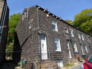 3 bed End of Terrace house in Henshaw Road, Walsden...