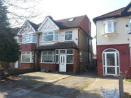 4 bedroom semi detached house to rent in Ellerdine Road, Hounslow...