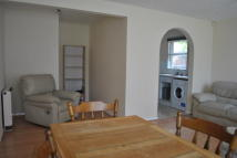 2 bed Flat in Taylor Close, Hounslow...