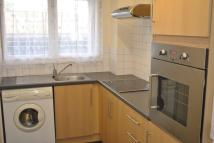 Flat to rent in JUSTIN CLOSE, Brentford...