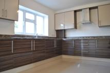 Town House to rent in Borough Road, Isleworth...