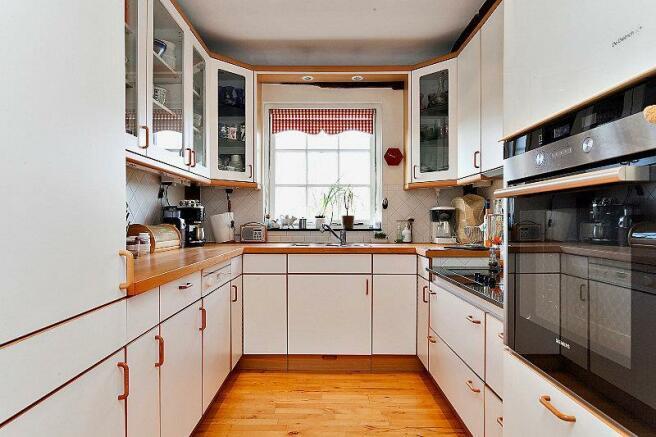 8223189-kitchen-800-